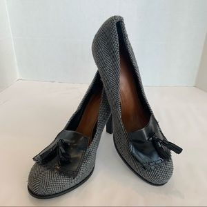 HALOGEN size 12M unique wool cloth textured loafer heel in never worn condition